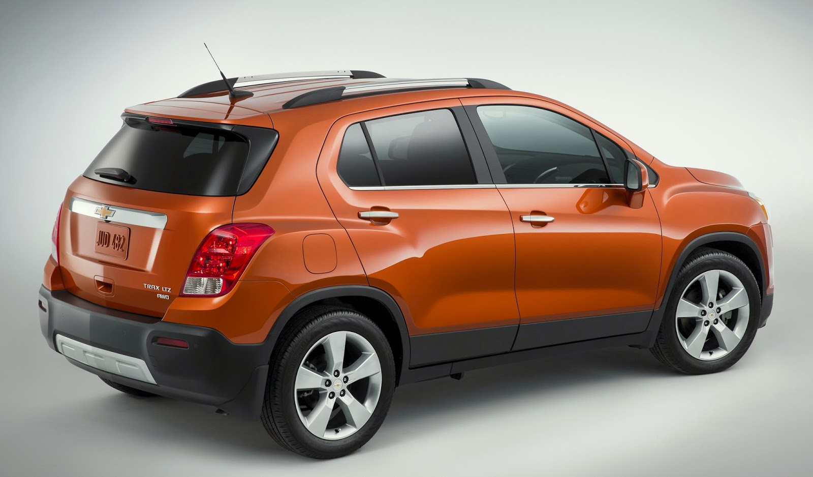 Chevy bringing trax small cuv to the us w video