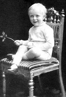 King Olav V of Norway Olav V (født Alexander Edward Christian Frederik, prins av Danmark 2. juli 1903, død 17. januar 1991) var Norges Konge fra 1957 til sin død i 1991.Schleswig-Holstein-Sonderburg-Glücksburg