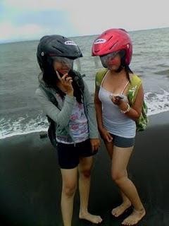 Foto Bugil Cewek Pantai