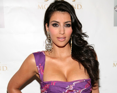 kim_kardashian_hot_wallpaper_in_bikini_04_fun_hungama_forsweetangels.blogspot.com