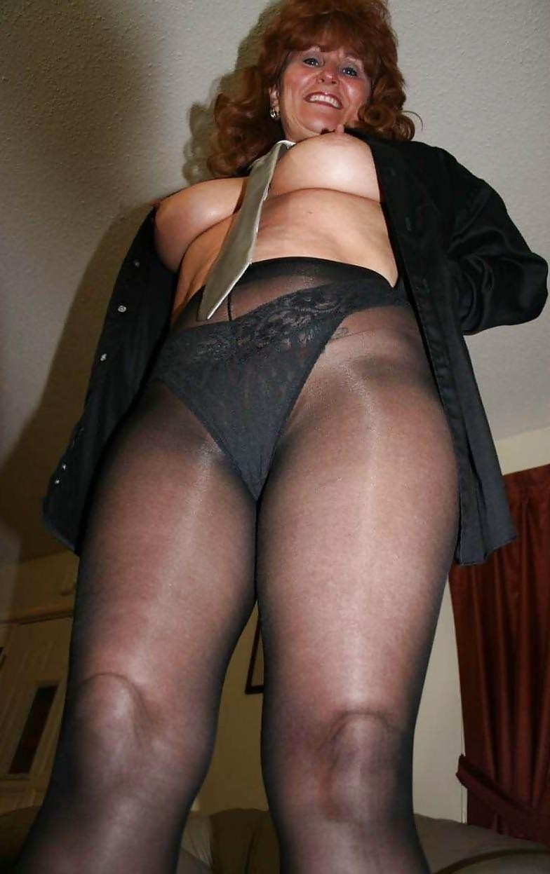 Housewives in pantyhose galleries