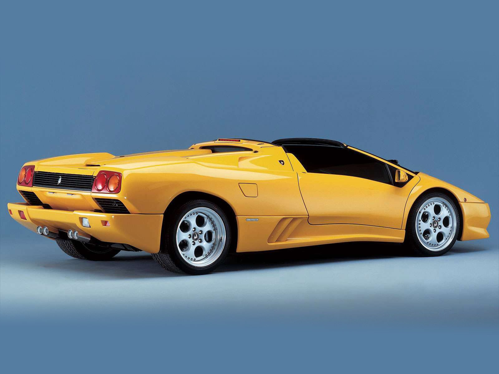 http://4.bp.blogspot.com/-WofsWZBRwoY/Tkich5Ow7qI/AAAAAAAACag/Gv37BCP9BWg/s1600/Diablo_Roadster_1996_LAMBORGHINI-pictures_4.jpg