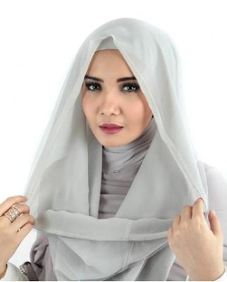 Model Hijab Zaskia Sungkar