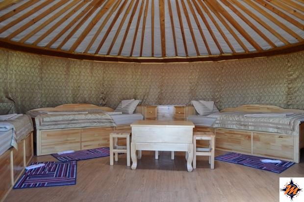 Un campo gher di categoria superiore. Il Goviin Naran Ger Camp, nei pressi di Bayanzag