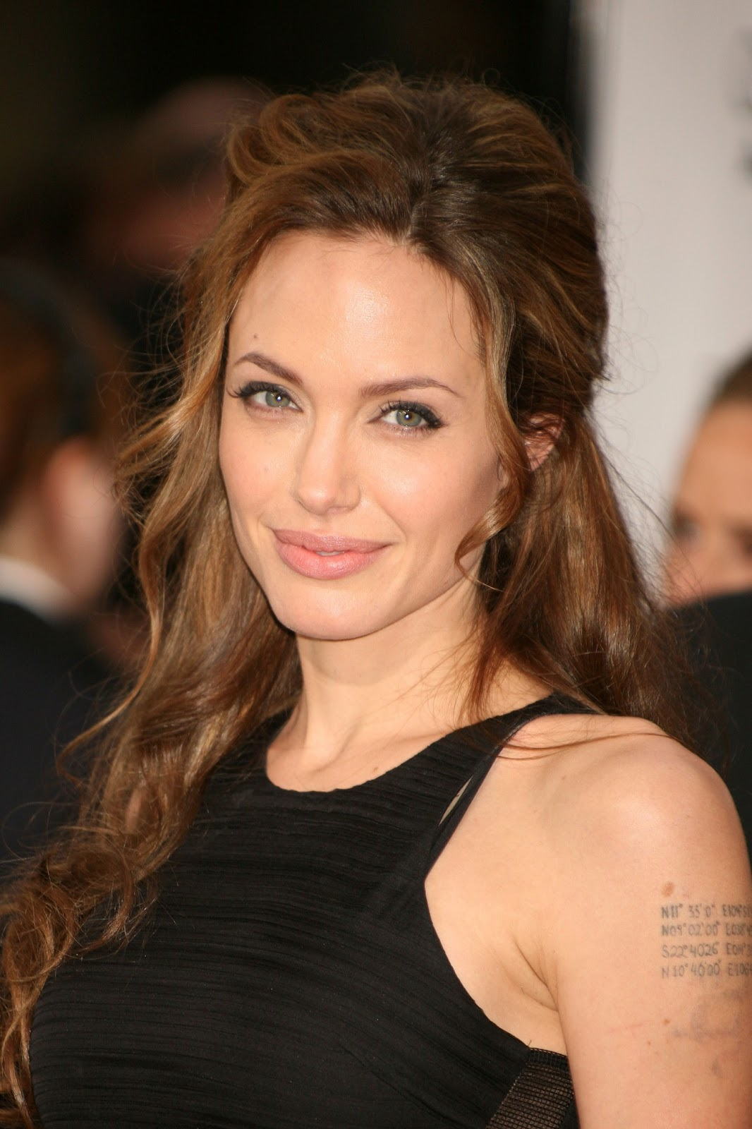 happy birthday to angelina jolie - june 4th | hd wallpapers (high