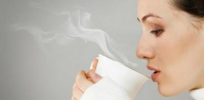 3 Manfaat Minum Air Hangat di Pagi Hari