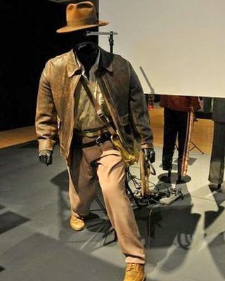 http://kirkhamclass.blogspot.com/2014/11/hollywood-costume-exhibit.html