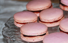 raspberry macarons