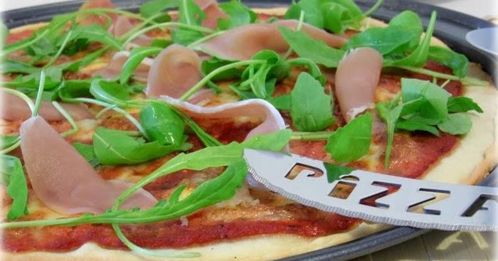 Aux d lices de g raldine pizza la mozzarella roquette - Cuisiner la mozzarella ...