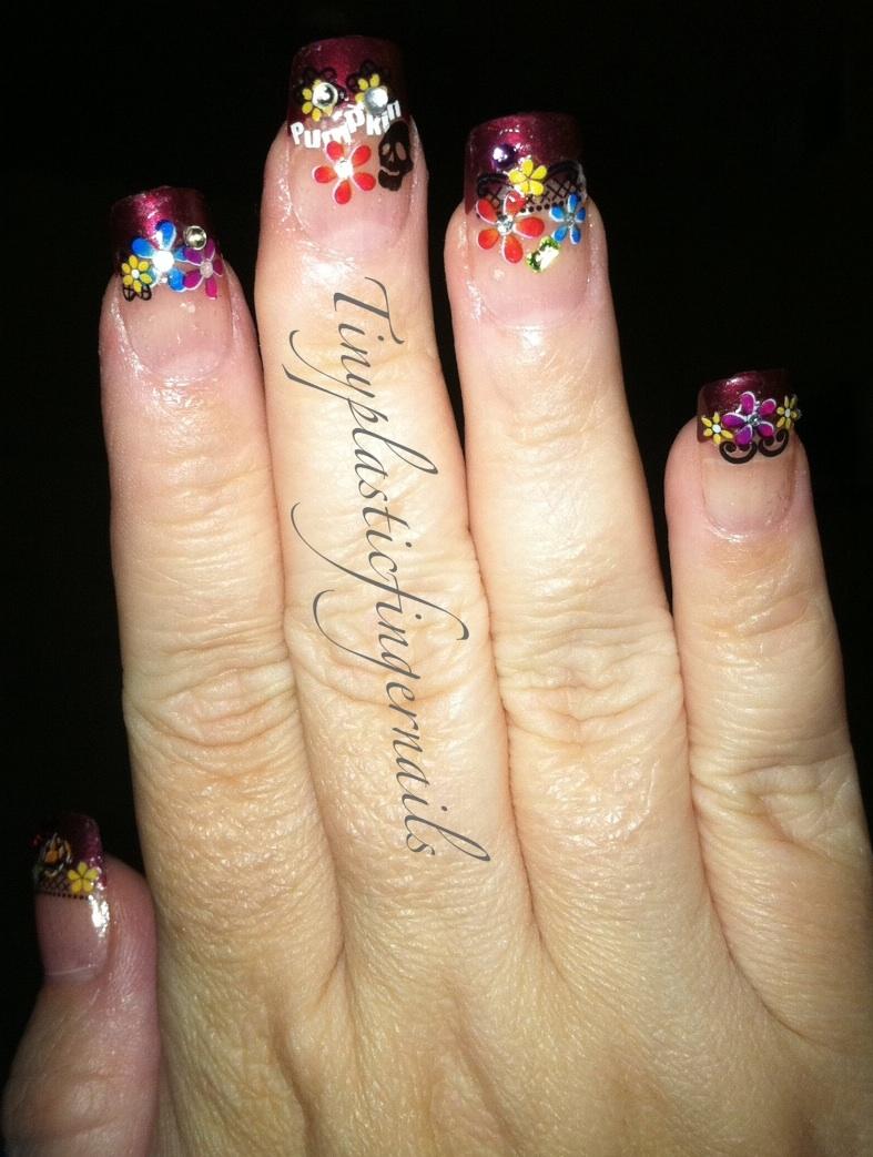 Tiny plastic fingernails: Fall Floral Mani
