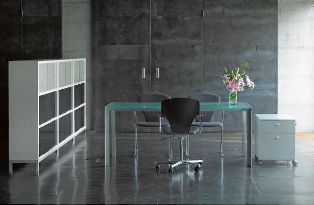 http://www.designfolia.com/133-tables