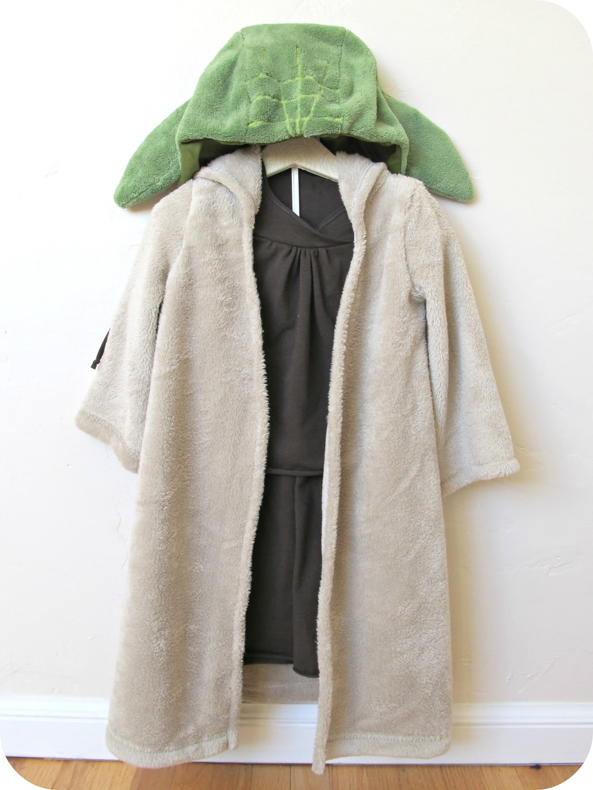 Comfy dress up yoda costume home made by jill 2013 comfy dress up yoda costume solutioingenieria Gallery