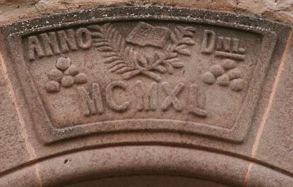 Detall d'una dovella esculpida de la porta de Sant Esteve. Autor: Carlos Albacete