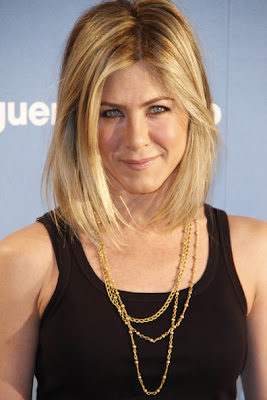 Jennifer Aniston Layered Gold Chain