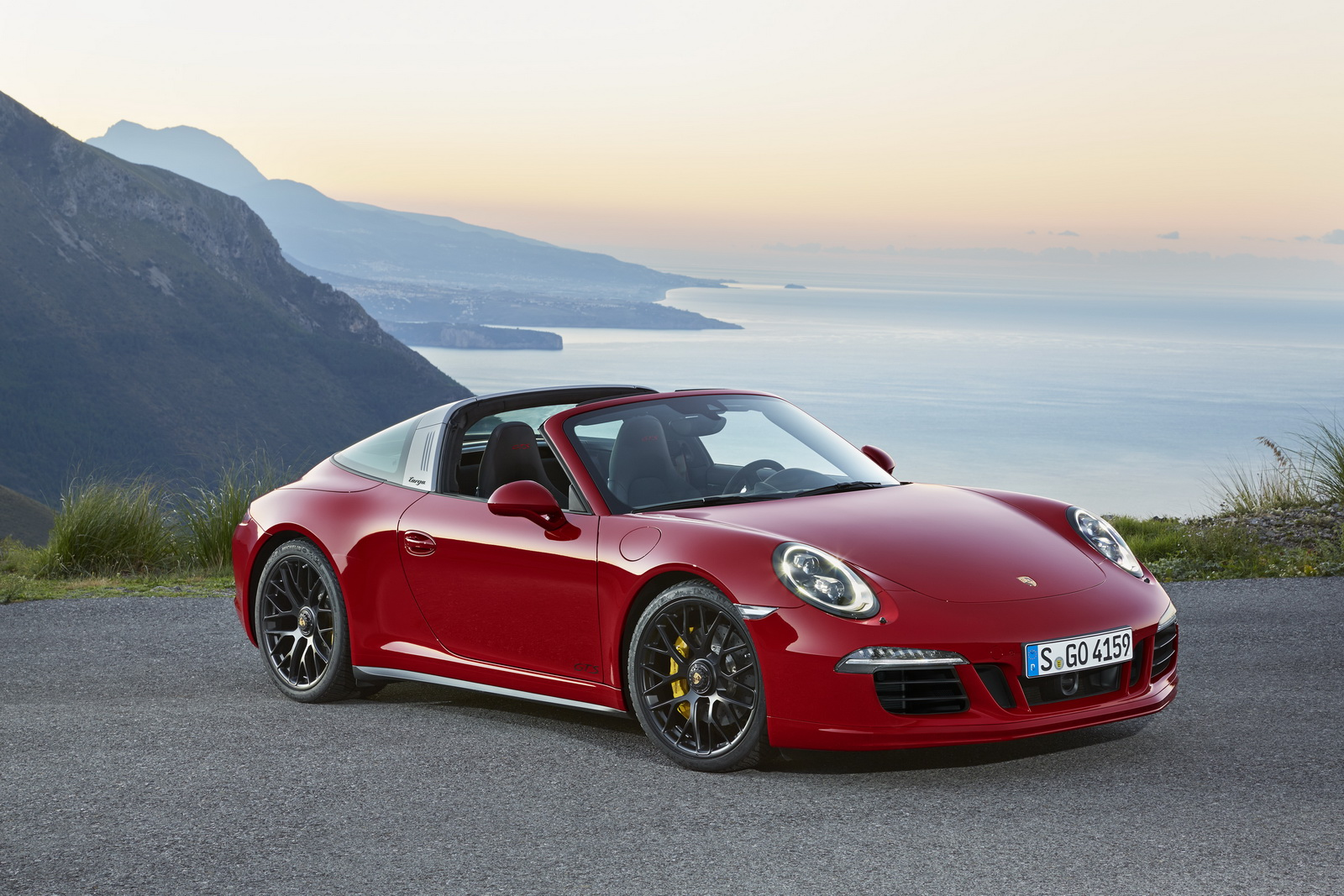 Porsche 911 Targa 4 Gts World Premiere At 2015 Naias