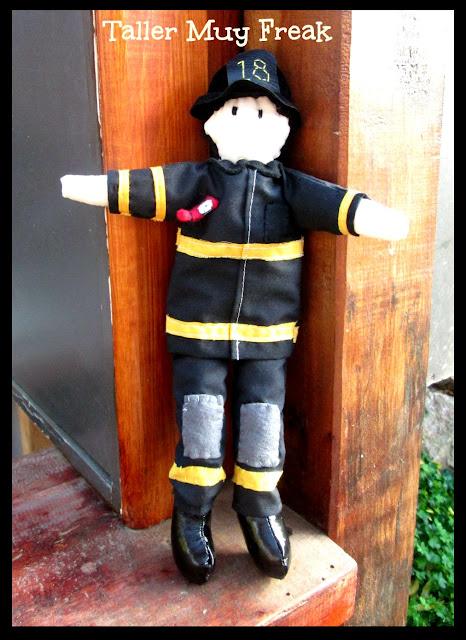 bombero chile muñeco