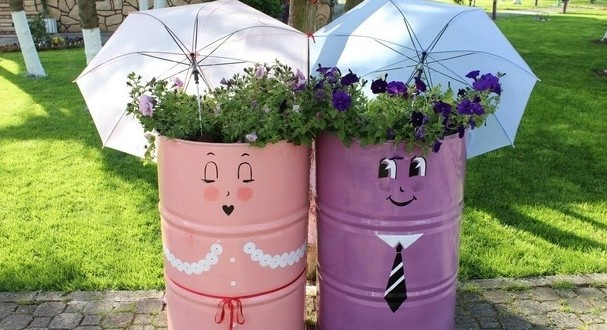 Let Your Garden Be An Expression Of Your Personality. Make Decorations From  Your Old Stuff To Make Sure That Your Garden Design Is Unique. Garden Junk  Ideas ...