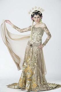 kebaya adalah pakaian yang mengidentikkan wanita indonesia kebaya saat ...