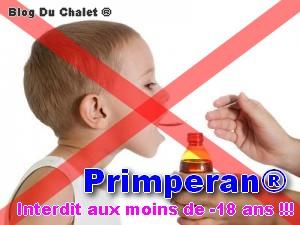 Bébé qui prend un sirop - Primperan est interdit aux moins de -18 ans