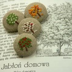 Krásné vyšívané knoflíky od http://belastitches.blogspot.com