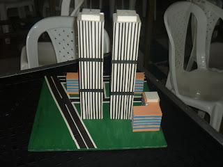 hermosa maqueta de las torres gemelas