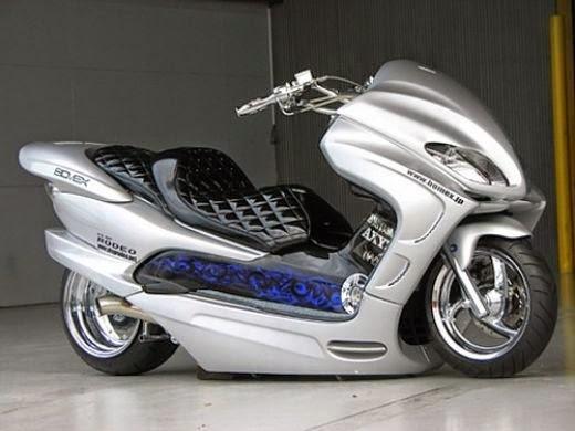 Modifikasi Honda Forza Putih Ceper