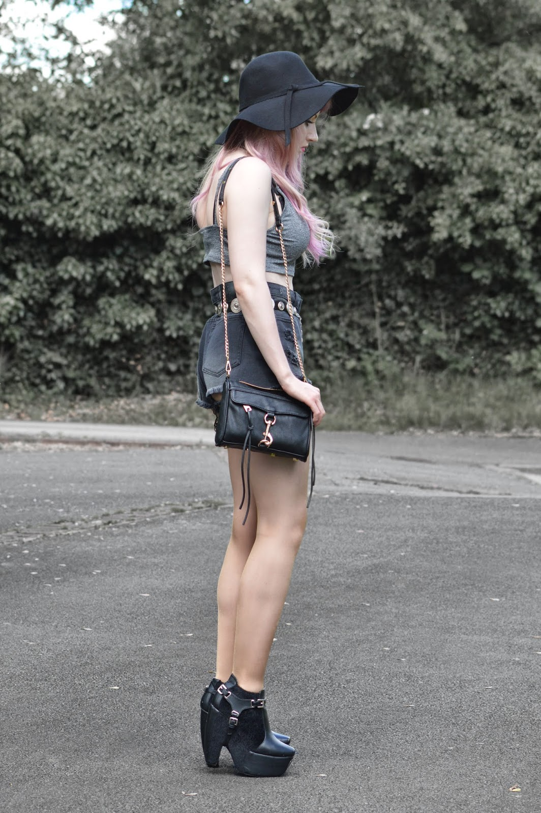 Sammi Jackson - 2 Ways To Wear Unif Hangover Shorts // Look 2
