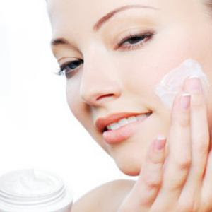 How to cure dry winter skin naturally?