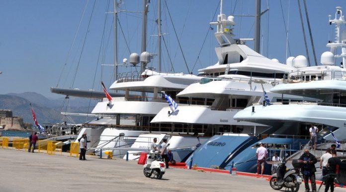 «Βόμβα» στον τουρισμό: Νόμος Κουρουμπλή «σπρώχνει» τα σκάφη αναψυχής σε Αλβανία και Τουρκία