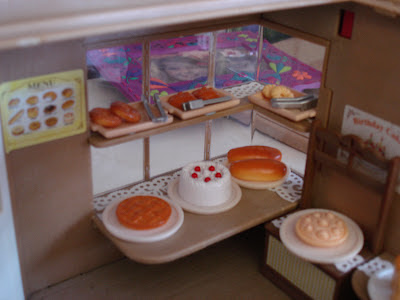 Sylvanian Families Vintage Bakery Front Display Window Cakes Biscuits