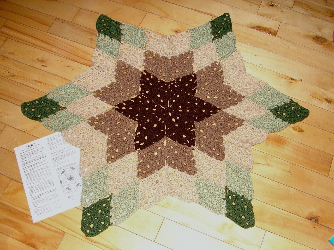 Amys passions red heart prairie star progress crochet the motifs have become second nature now 54 diamonds into the project each diamond takes about 9 minutes to stitch join and sew in the ends bankloansurffo Image collections