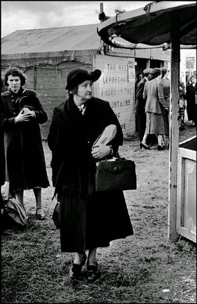 Дама с сумочкой.