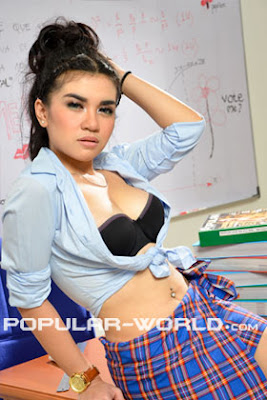 Elvina for Popular World BFN, July 2012