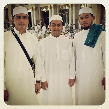 14 Foto Adi Putra Tunai Umrah Di Mekah
