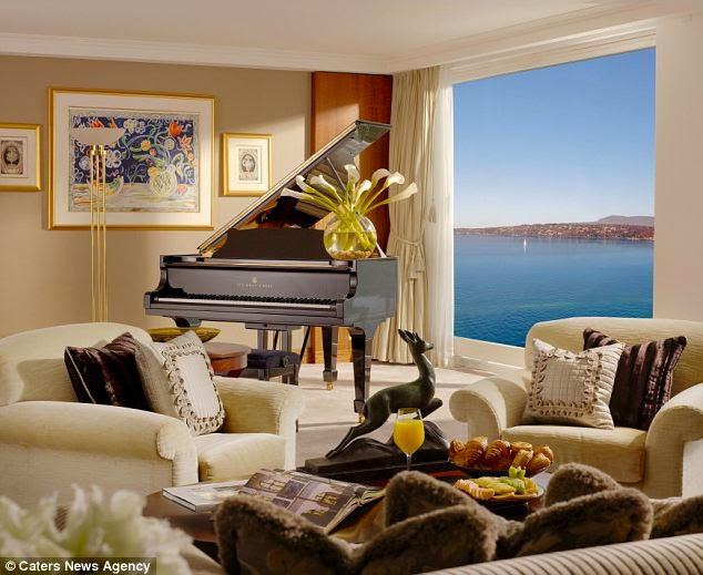 Royal Penthouse Suite