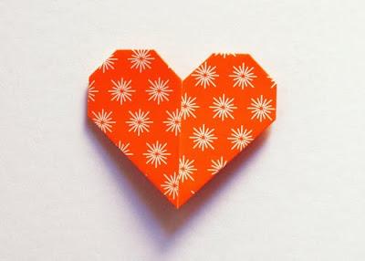 Marcador de página en forma de corazón