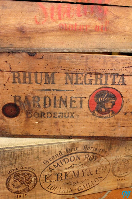 Bocaux Publicitaires, Entonnoirs 1900 & Mini Lunettes  ~ Caisses En Bois Anciennes