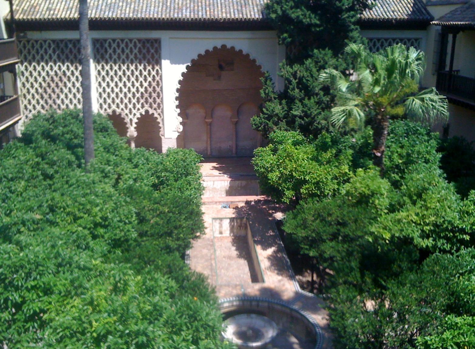 Sevilla daily photo el jard n del crucero - Jardines verticales sevilla ...