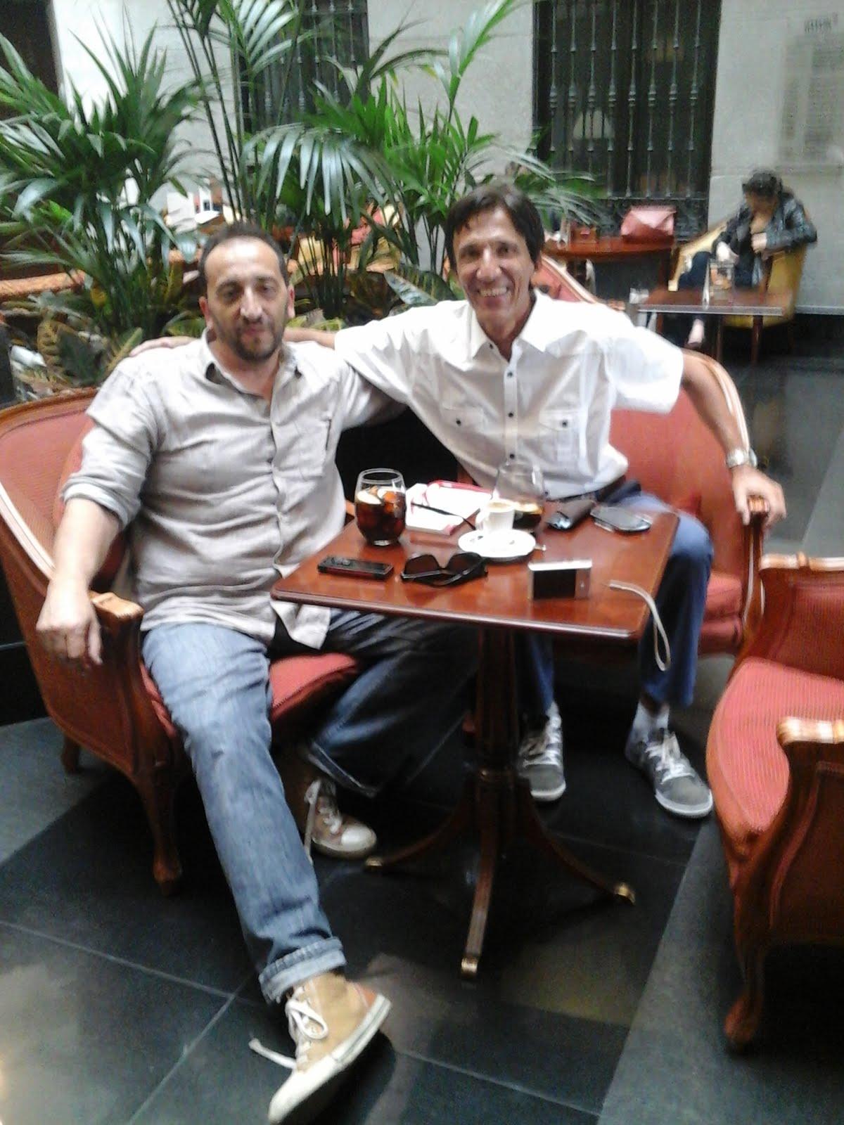 En Madrid, con el amigo escritor español Santiago Casero González
