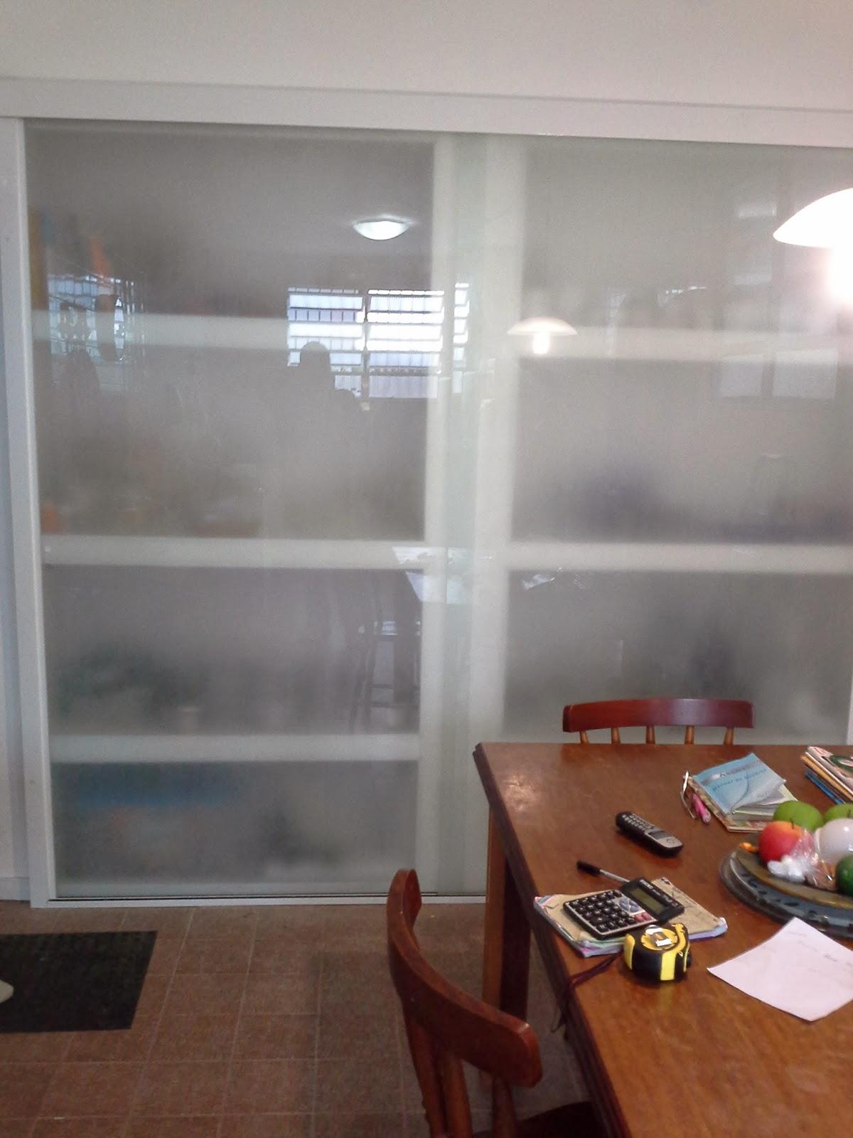 AF4 TEMPER VIDROS Armario de cozinha vidro jateado sistema versatik -> Armario De Banheiro Com Vidro Jateado