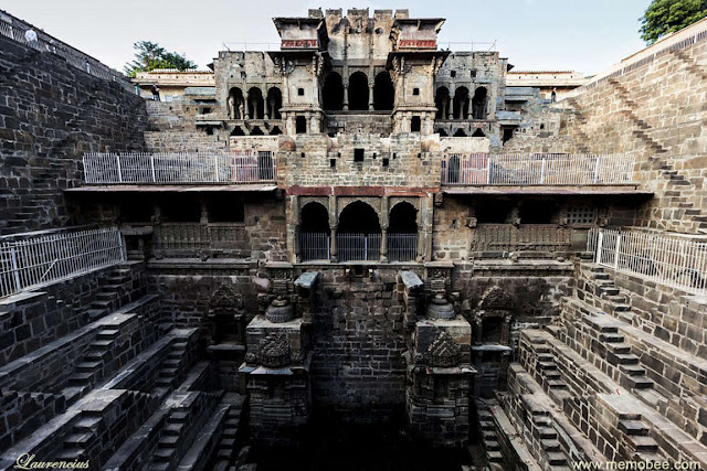 Sumur-Chand-Baori-Jaipur-India_5