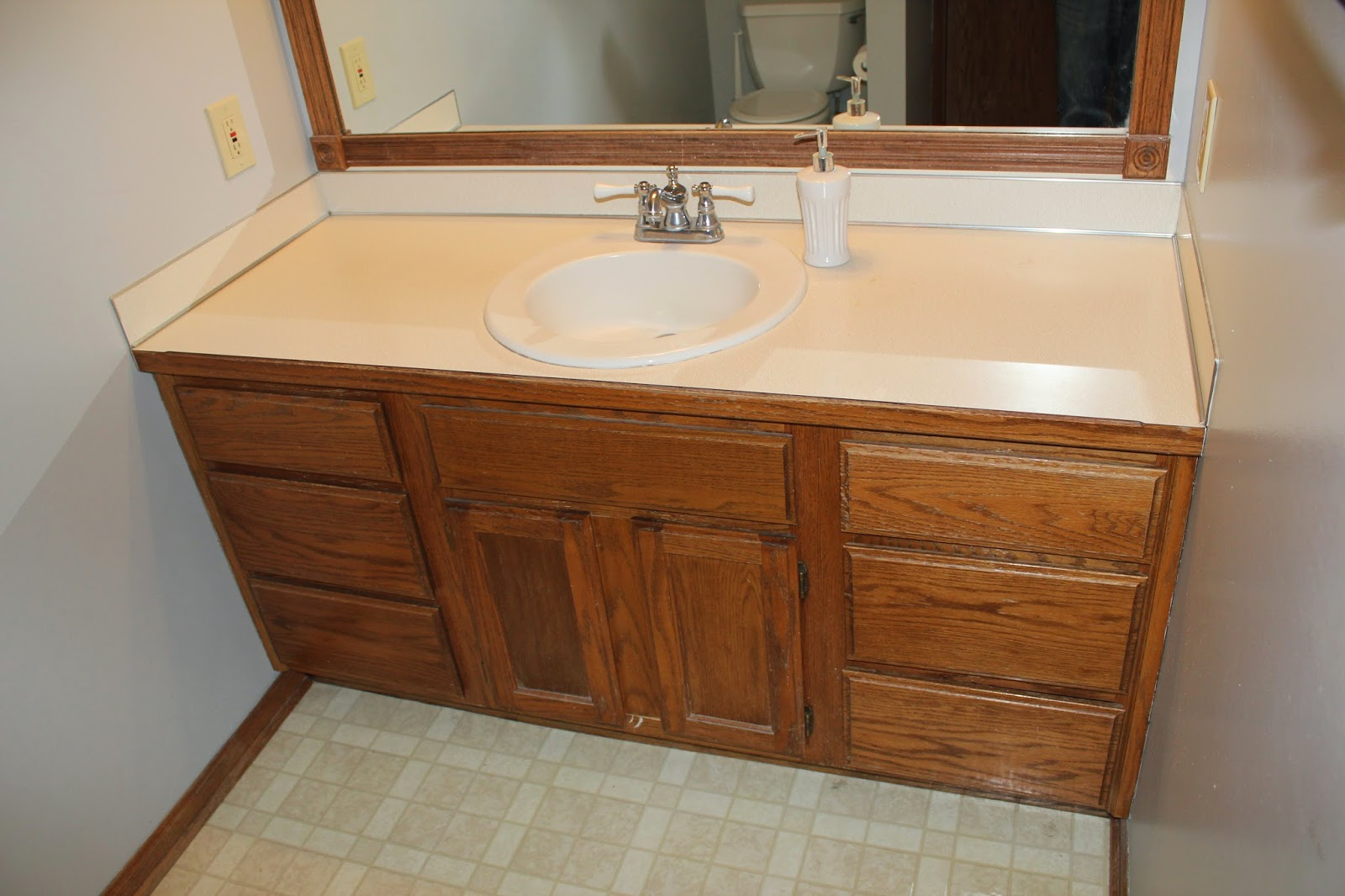 Ladditude our diy bathroom remodel for under 300 for Bathroom remodel 3000