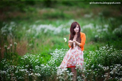 Ryu-Ji-Hye-Flower-Dress-10-very cute asian girl-girlcute4u.blogspot.com