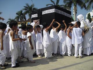 Poto Kegiatan Anak Islam : Manasik Haji 2010
