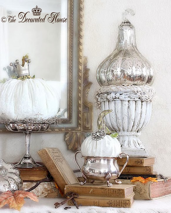 The Decorated House ~ White Pumpkins Decorating for Thanksgiving