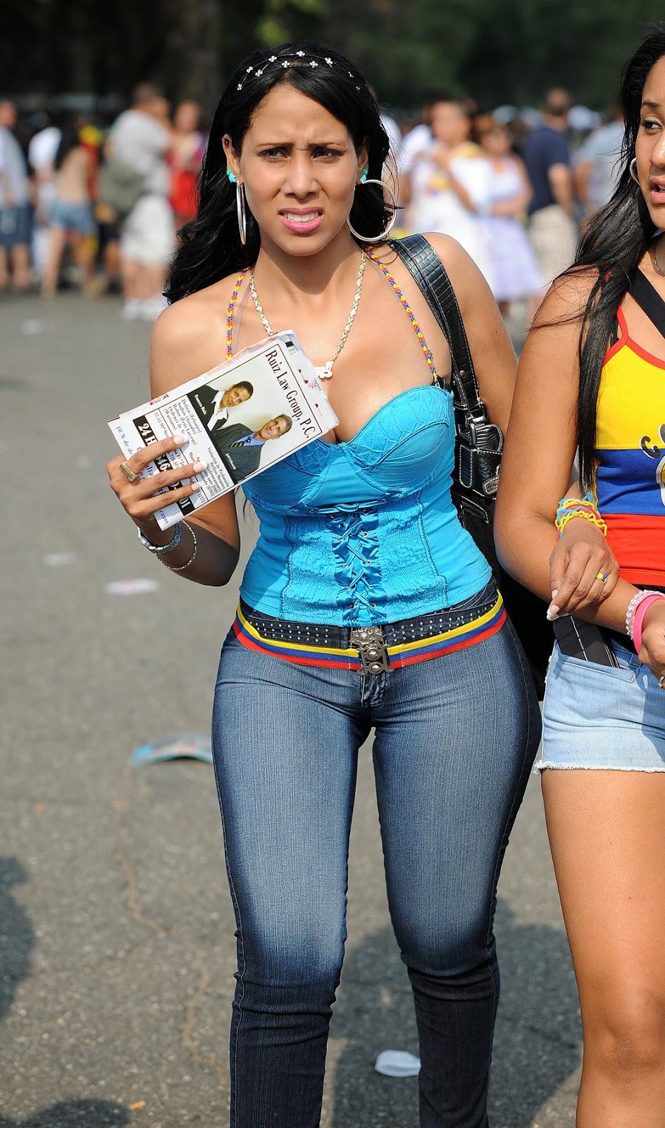 Colombianas Con Culos Grandes En Jeans La Calle