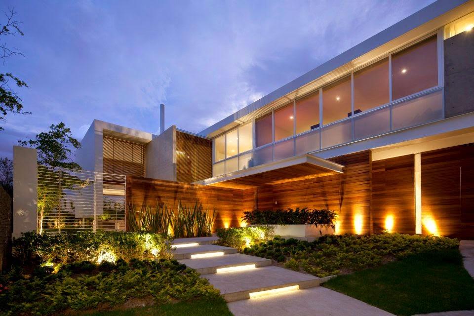 escadas externas jardim : escadas externas jardim:Fachadas de casas com escadas na frente – veja entradas lindas e