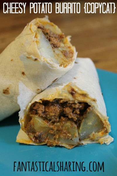 Cheesy Potato Burrito {Copycat} | Seasoned potatoes with ground beef, nacho cheese, and sour cream #TacoBell | www.fantasticalsharing.com