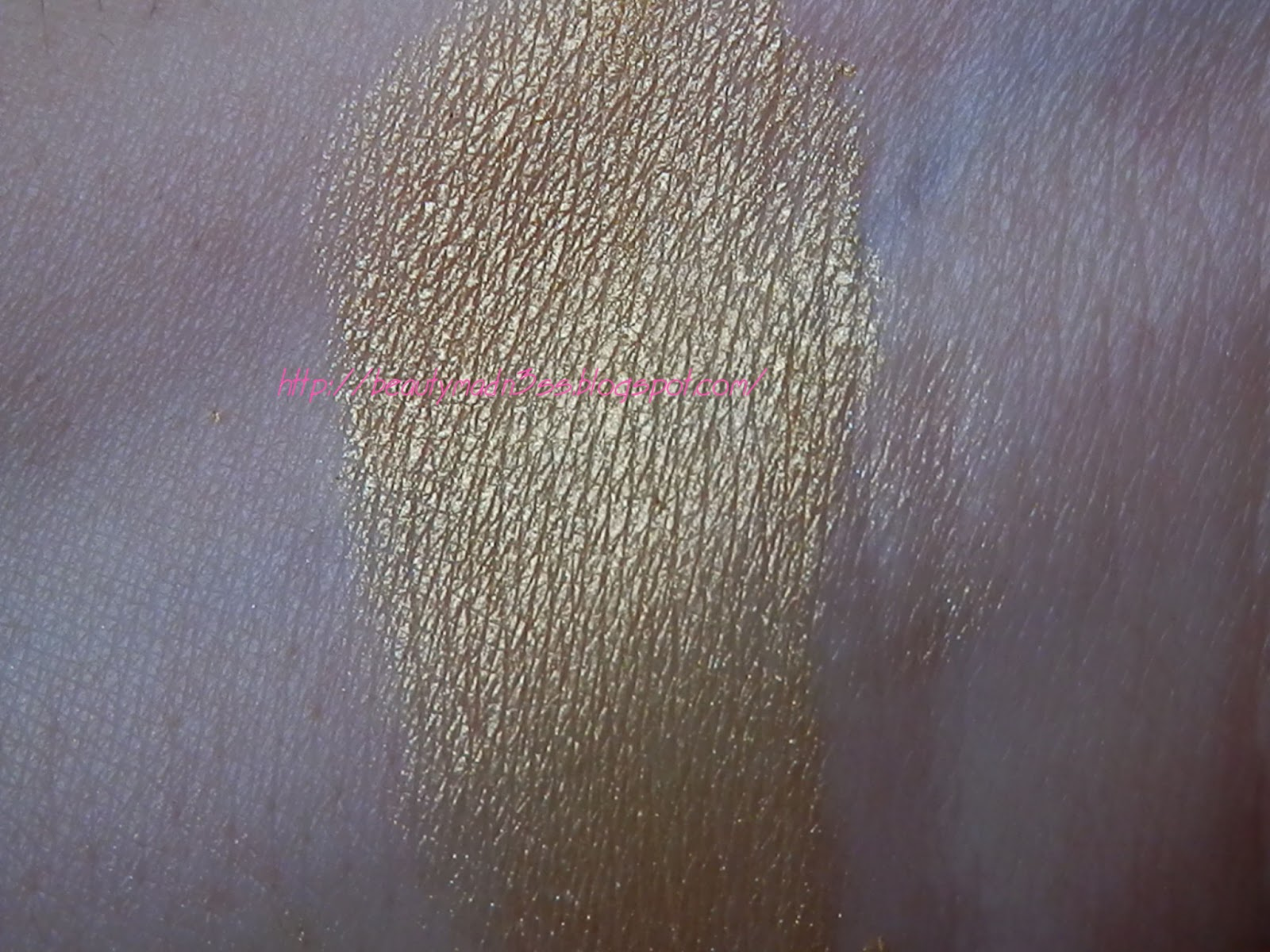 NYX Ultra Pearl Mania Loose Pearl Eye Shadow Yellow swatch