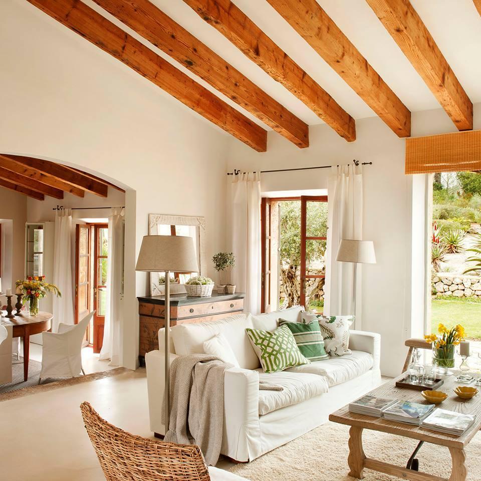 Lovely deco poutres et jolie hauteur sous plafond for Poutre decorative plafond